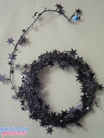 Black Star 18' Wire Garland