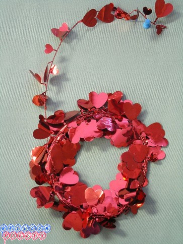 Red Heart Star 12' Wire Garland