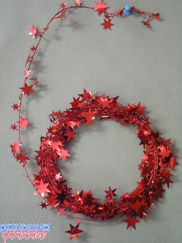 Red Star 25' Wire Garland